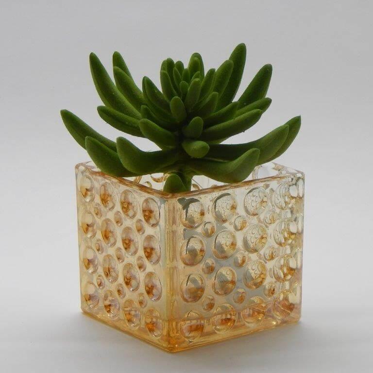 Cachepot de vidro pequeno e colorido Foto de Arquitetamos