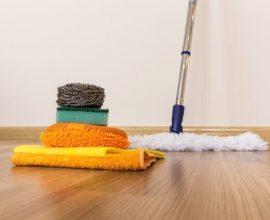 Como limpar piso laminado com diversos produtos e materiais Foto de Horssols