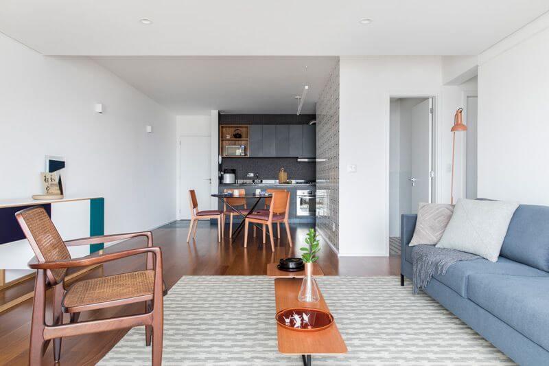 Como limpar piso laminado em salas integradas Projeto de Iná Arquitetura