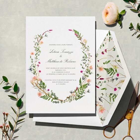 Convite jardim encantado com convite com estampa florida na parte interna Foto de Pinterest