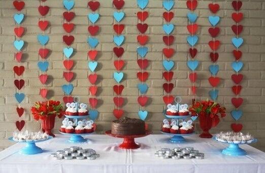 Cortina de coração azul e vermelho em festa Foto de Selma Viana