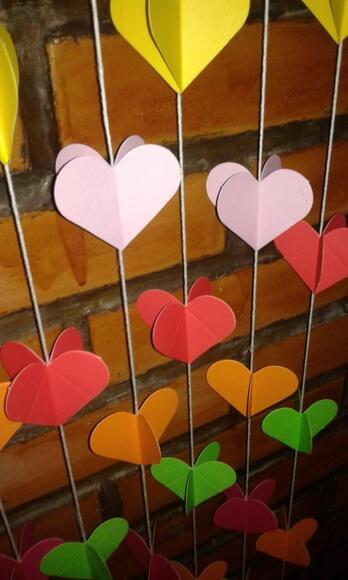 Cortina de coração colorida Foto de Inspira Arte & Sabor