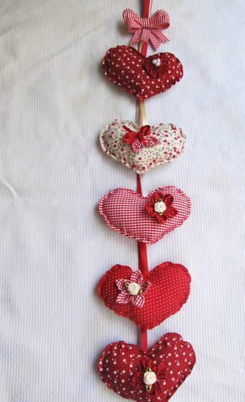 Cortina de coração com estampas vermelhas Foto de Fuxicando Arte