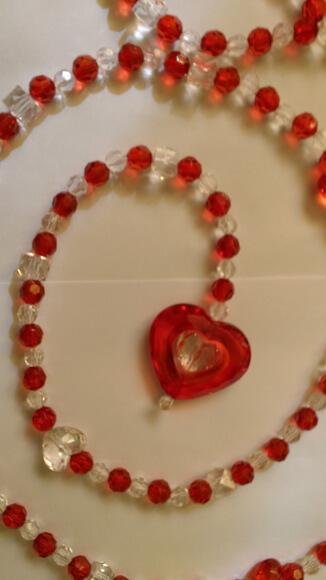 Cortina de coração de miçanga vermelha e transparente Foto de Artes da Fabi Mari