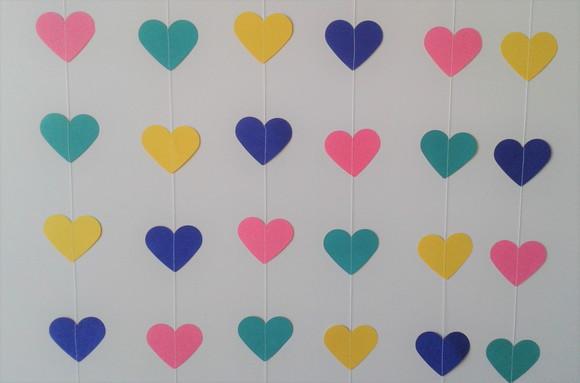 Cortina de coração de papel colorido Foto de Ateliê Rocha