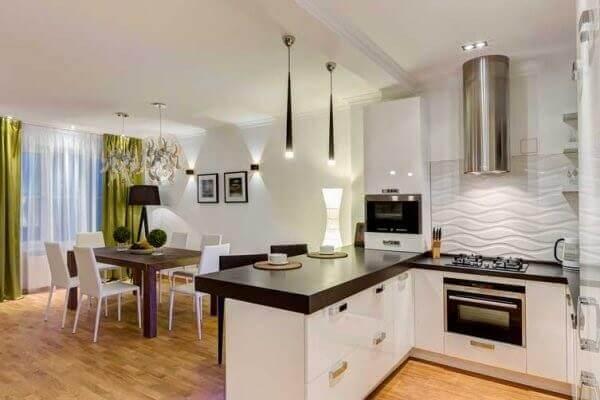 Cozinha americana pequena e simples em residencia