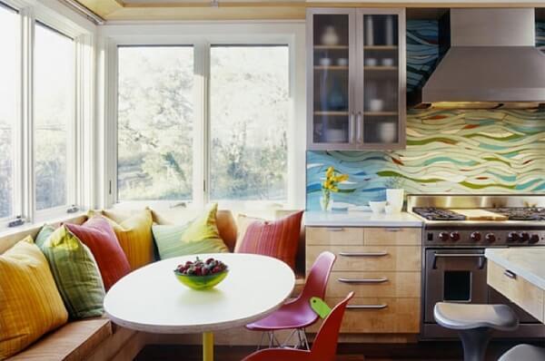 Cozinha americana pequena em sala de estar