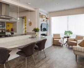 Cozinha americana pequena em sala simples