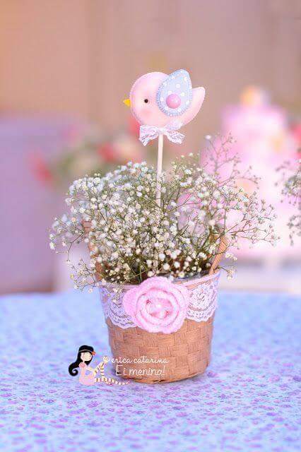 Decoração de jardim encantado com mini vaso de flores Foto de Erica Catarina
