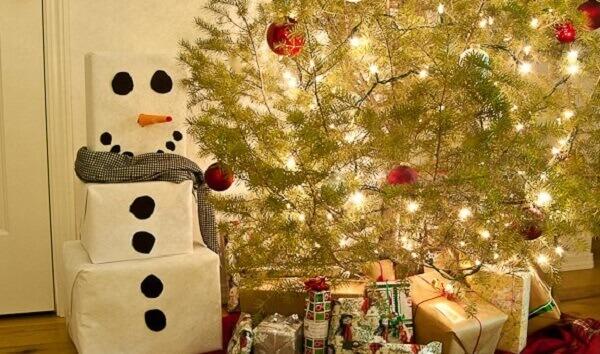Decoração de natal simples e barata boneco de natal com caixas