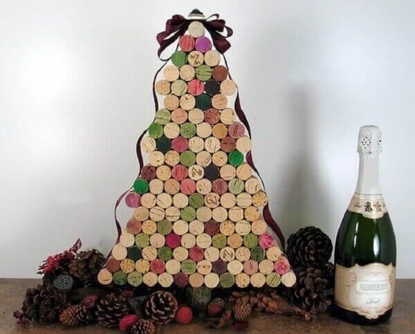 Decoração de natal simples e barata com rolhas
