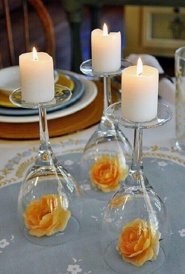 Decoração de natal simples e barata com taças e velas