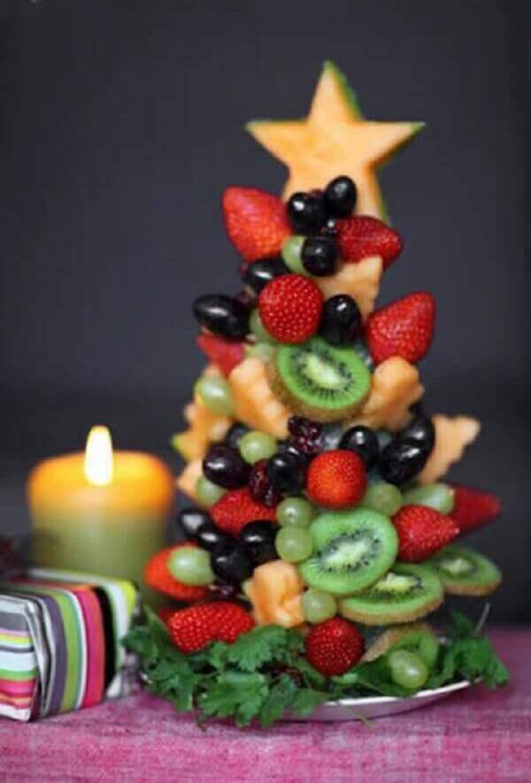 Decoração de natal simples e barata frutinhas como árvore de natal