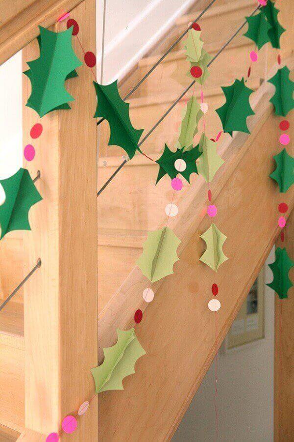 Decoração de natal simples e barata na escada
