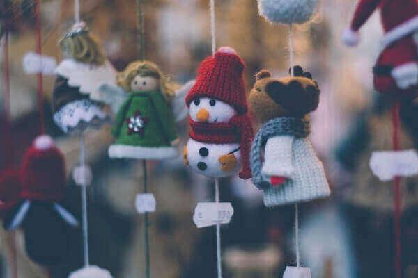 Decoração de natal simples e barata ornamentação