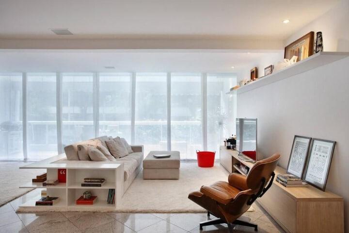Decoração de sala com poltrona de couro Projeto de Todo Dia Arquitetura