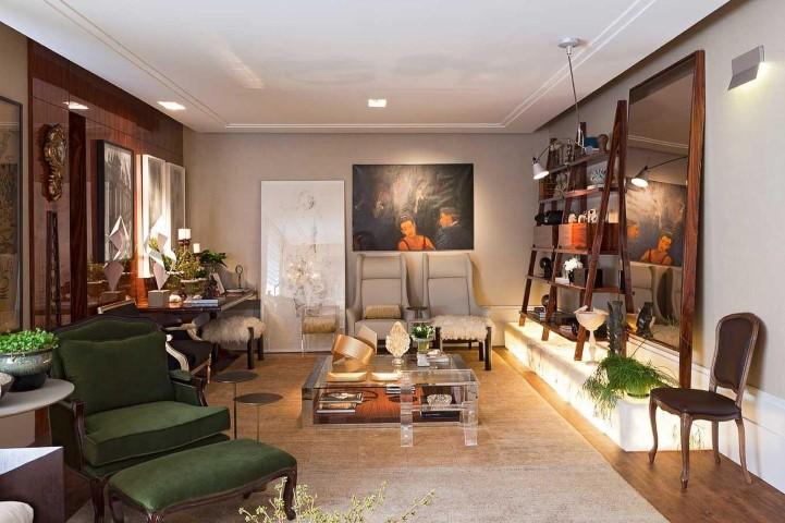 Decoração de sala com poltronas de diversos modelos e cores Projeto de LF Rezende