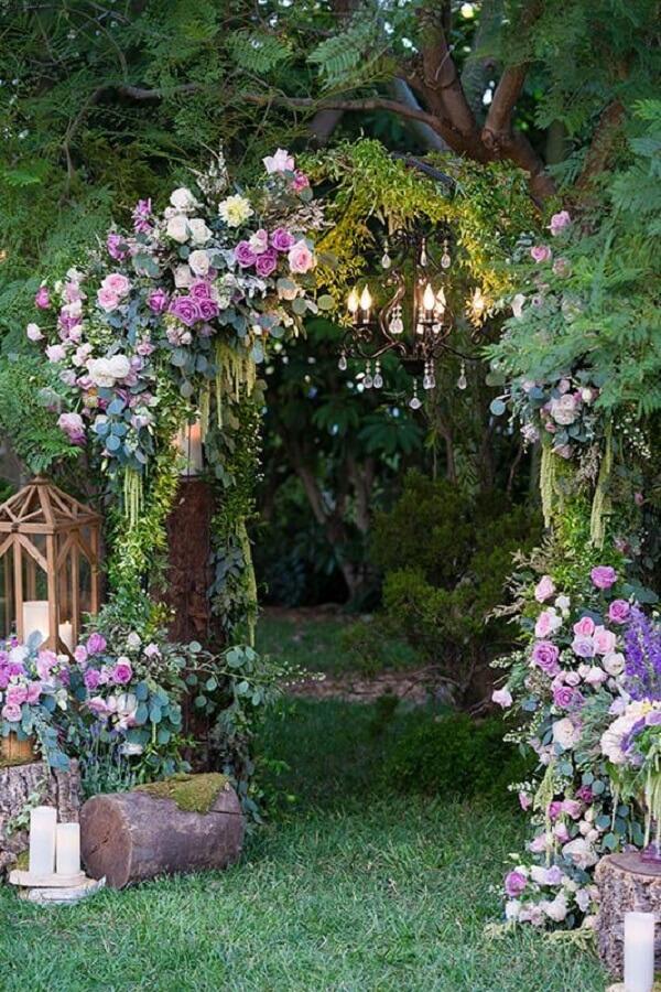 Entrada charmosa para a festa jardim encantado