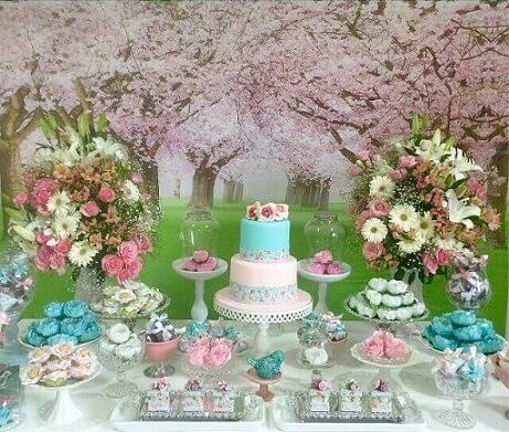 Festa jardim encantado com fundo com estampa florida Foto de Caramelo Doces e Decor