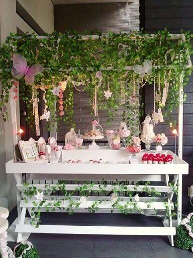 Festa jardim encantado com trepadeiras Foto de Pinterest
