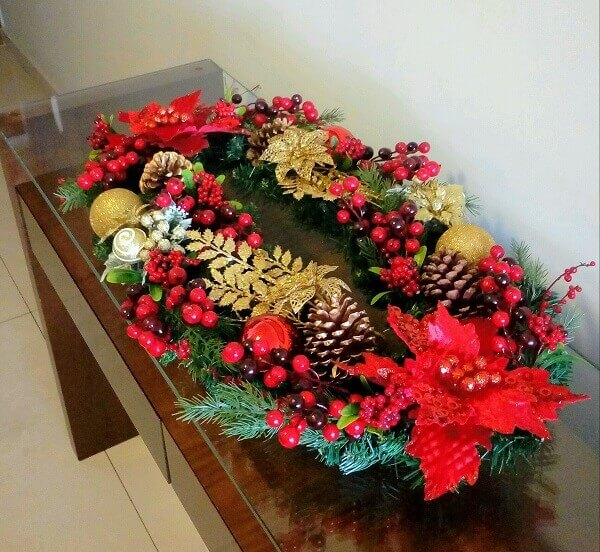 Flor de natal em arranjo artesanal