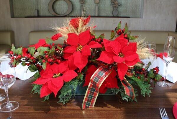 Flor de natal na mesa