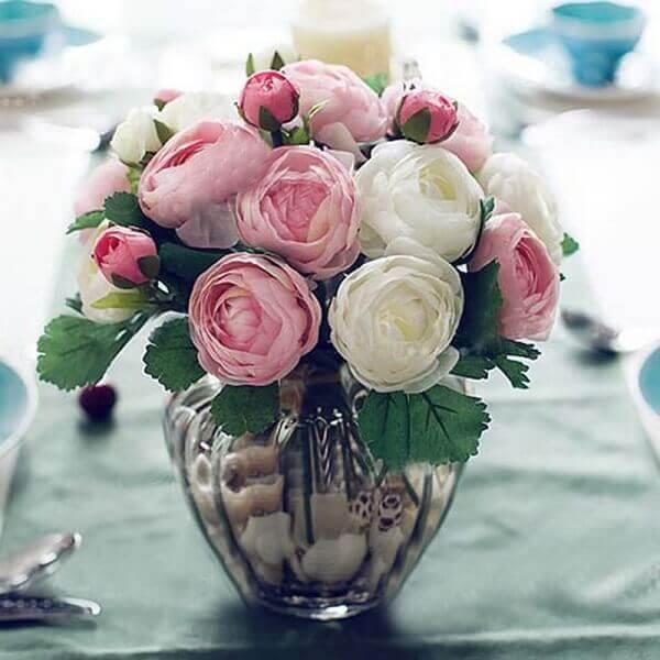 Flores Artificiais rosas em vaso transparente