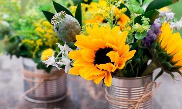 Flores artificiais de girassol para presentear