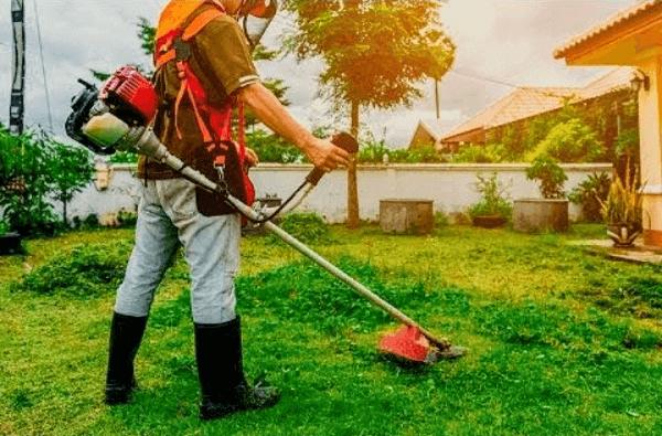 O cortador de grama é uma das ferramentas utilizadas na jardinagem