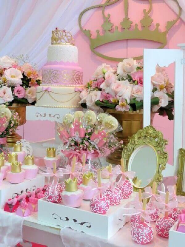 Ideias criativas de mesa decorada para festa de princesas