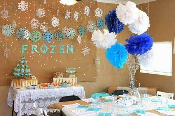 Ideias criativas decoração mesa frozen simples