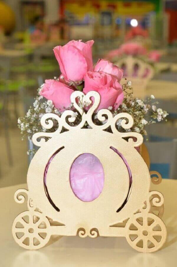Ideias criativas festa de princesa carruagem