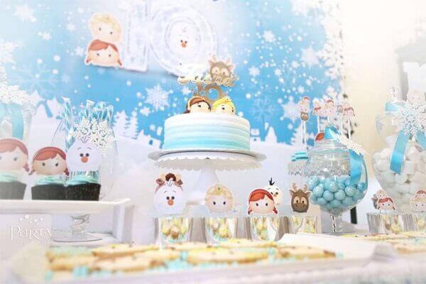 Ideias criativas para decorar mesa festa frozen