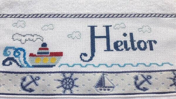 Letras em ponto cruz toalhinha bordada