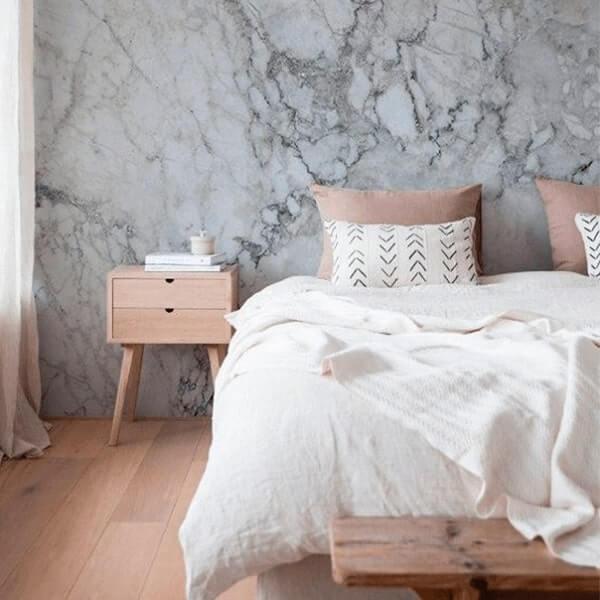 Marmorato decora com estilo o quarto de casal