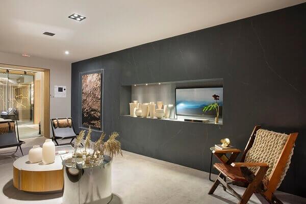 Marmorato em sala grande e moderna