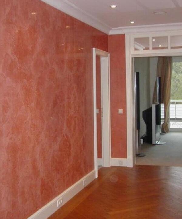 Marmorato na cor rosa na parede