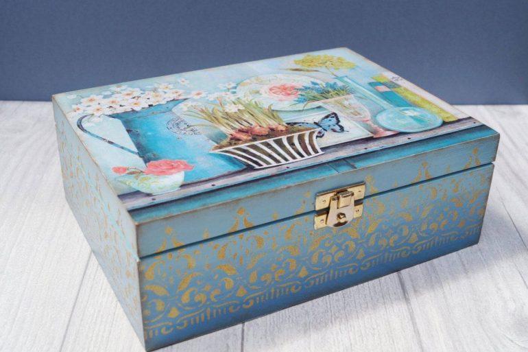 Modelo de caixa de MDF decorada