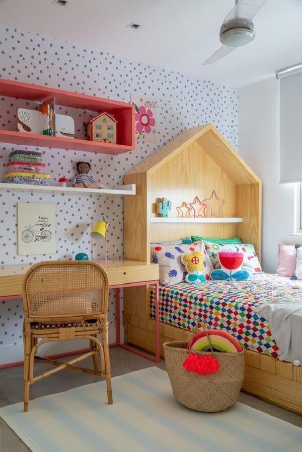 Nichos para quarto em marcenaria rosa