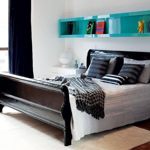 Nichos para quarto de casal na cor azul turquesa