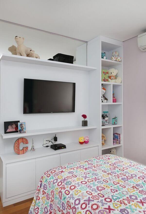Nichos para quarto e painel com tv