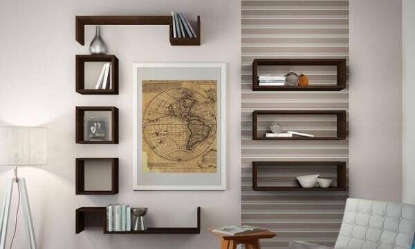 Nichos para quarto em parede de madeira