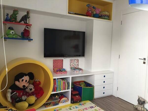 Os nichos para quarto organizam brinquedos livros e outros objetos