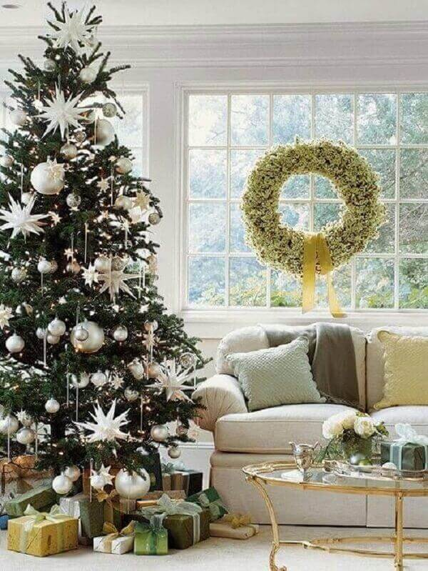 Christmas tree and garland in the living room decoration