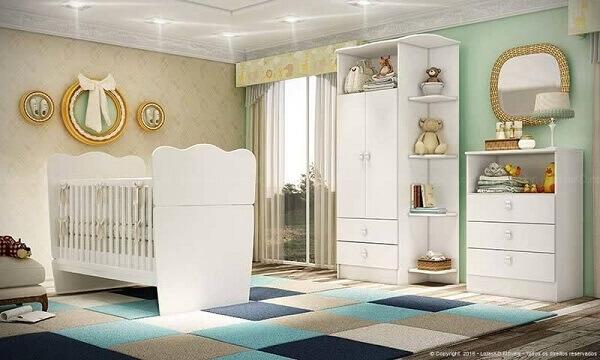 Quarto de bebê masculino decorado com tapete