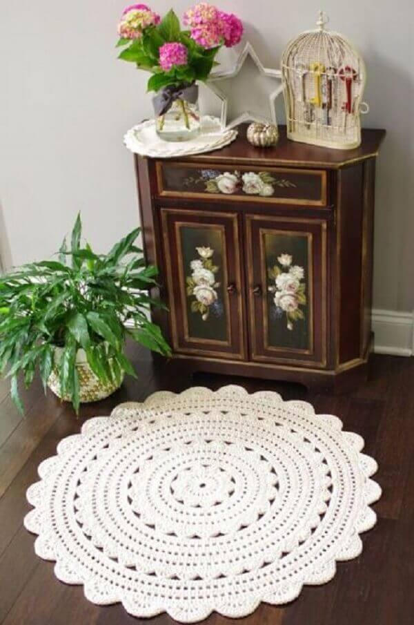 Tapete de crochê redondo branco