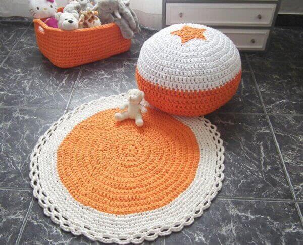 Tapete de crochê redondo laranja e branco