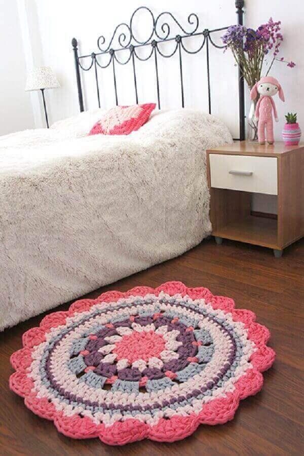 Tapete de crochê redondo para quarto de solteiro