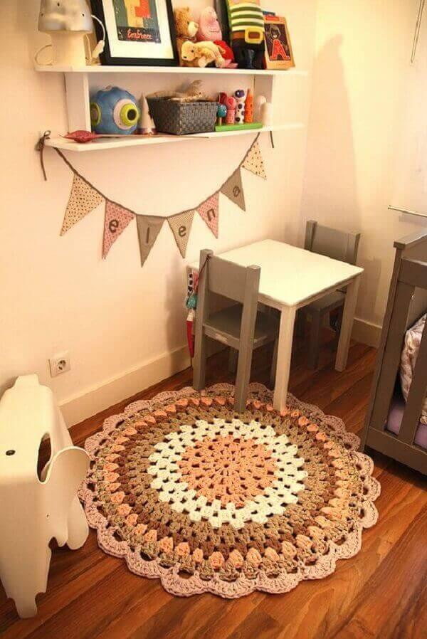 Tapete de crochê redondo para quarto infantil