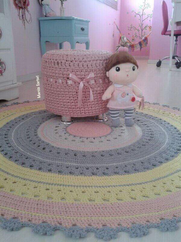 Tapete de crochê redondo quarto de criança
